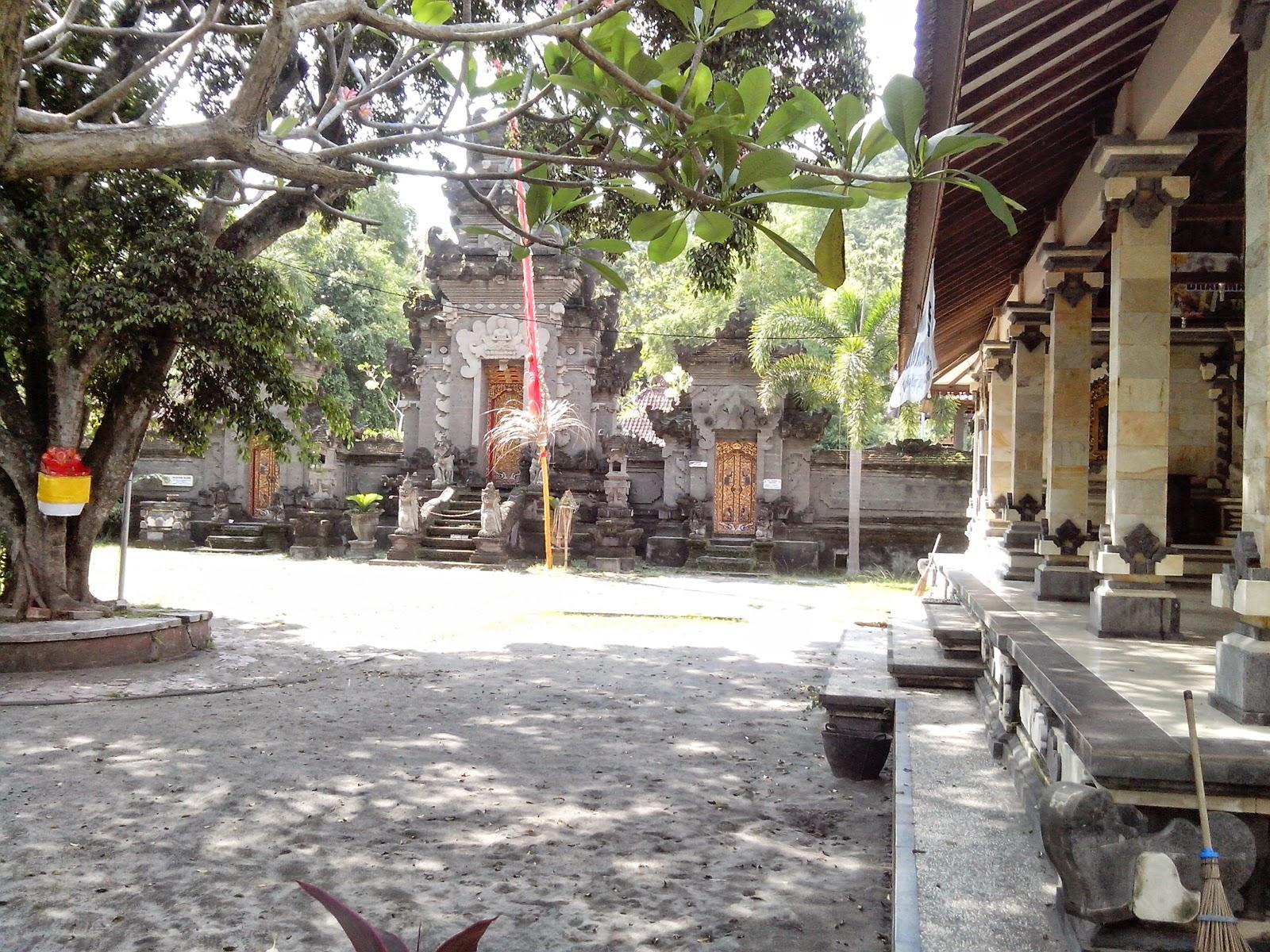 Wisata Sejarah Goa Selo Mangleng Kediri Negara Halaman Pura Penataran