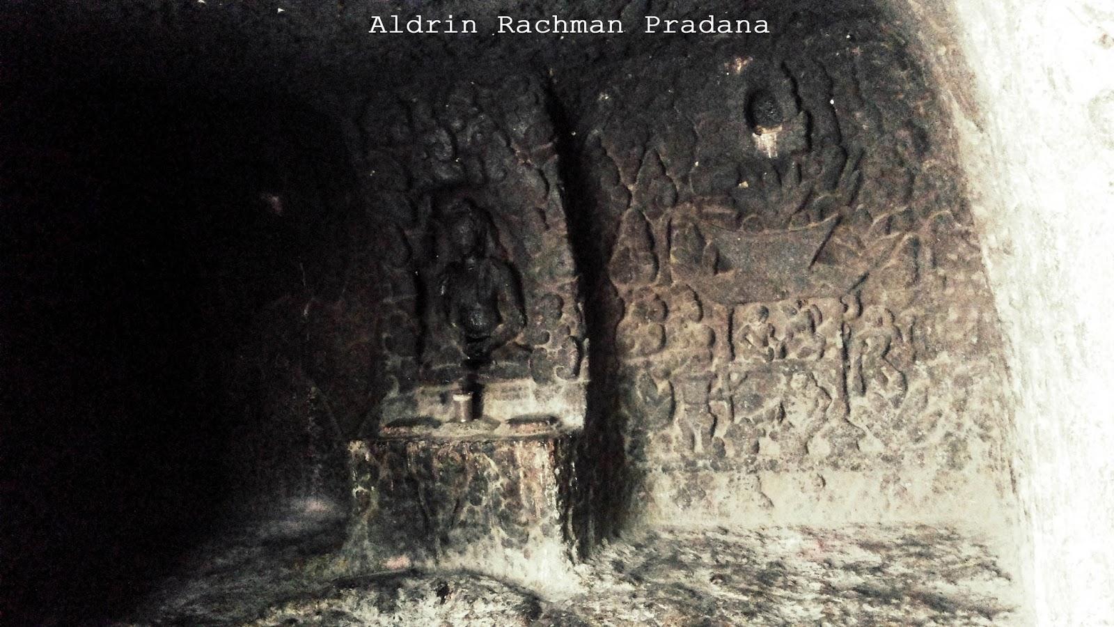 Wisata Sejarah Tempat Pertapaan Dewi Kilisuci Goa Selomangleng Terletak Dikaki