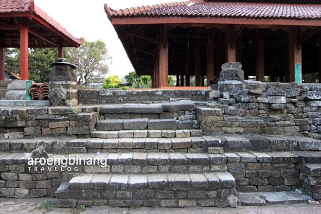 Aroengbinang Situs Setono Gedong Kediri Sendang Tirta Kamandanu Kab