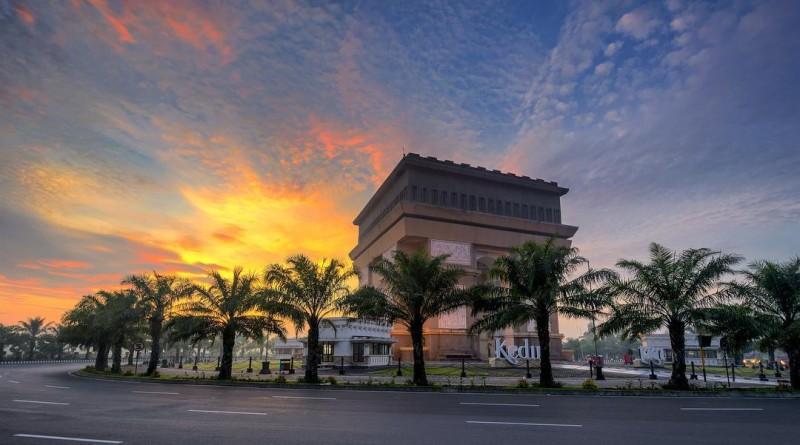 Monumen Simpang Lima Gumul Ikon Kediri Mirip Arc De Triomphe