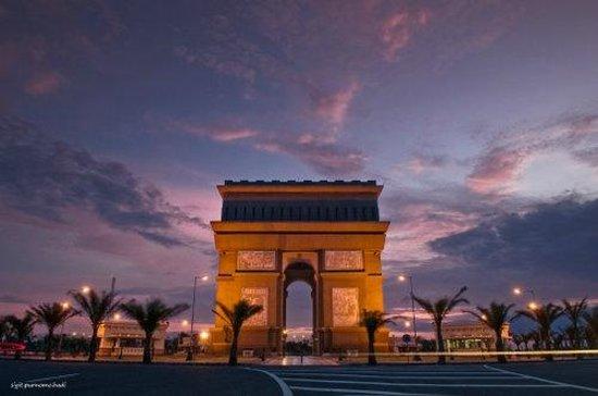 Monumen Simpang Lima Gumul Picture Simpanglima Monument Kab Kediri