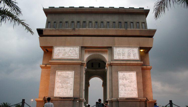 Simpang Lima Gumul Arc De Triomphe Kota Kediri Jadiberita Kab