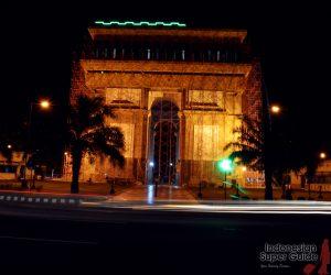 Tiruan Arc De Triomphe Indonesia Kemanalagi Id Monumen Simpang Lima
