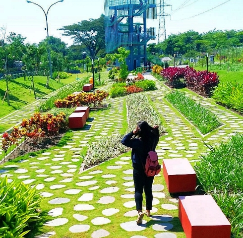 12 Tempat Wisata Kediri Jawa Timur Patut Dikunjungi Taman Hijau