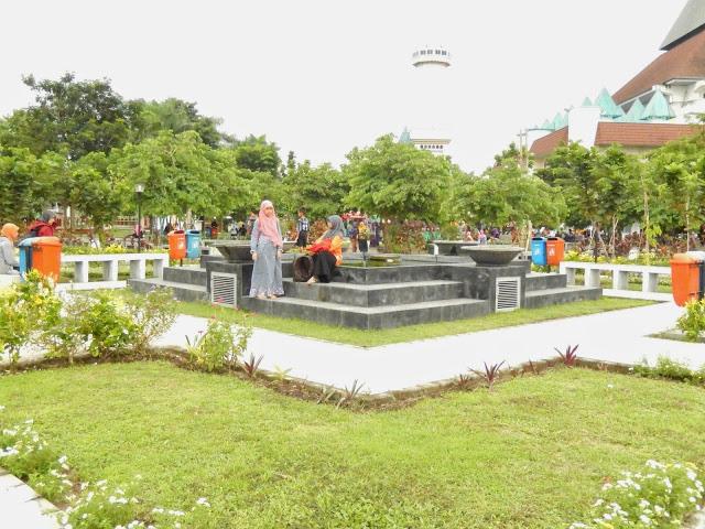 28 Tempat Wisata Kediri Wajib Dikunjungi Taman Kalisuci Dewi Kilisuci