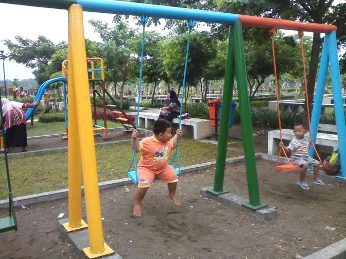 Taman Kilisuci Asri Oleh Romy Sujatmiko Kompasiana 13921078082086502292 Dewi Dahanapura