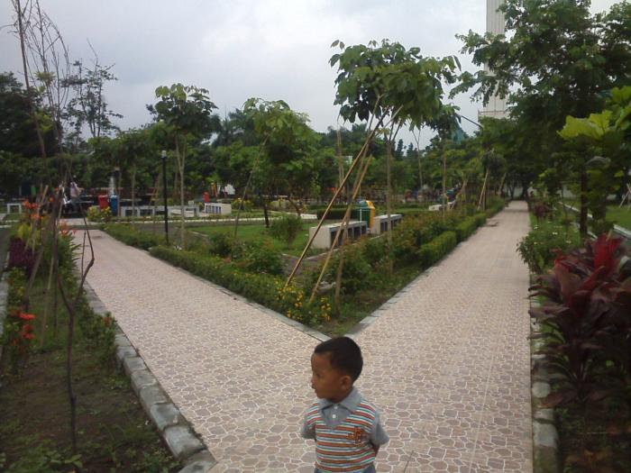 Taman Kilisuci Asri Oleh Romy Sujatmiko Kompasiana 13921080981996448812 Dewi Dahanapura