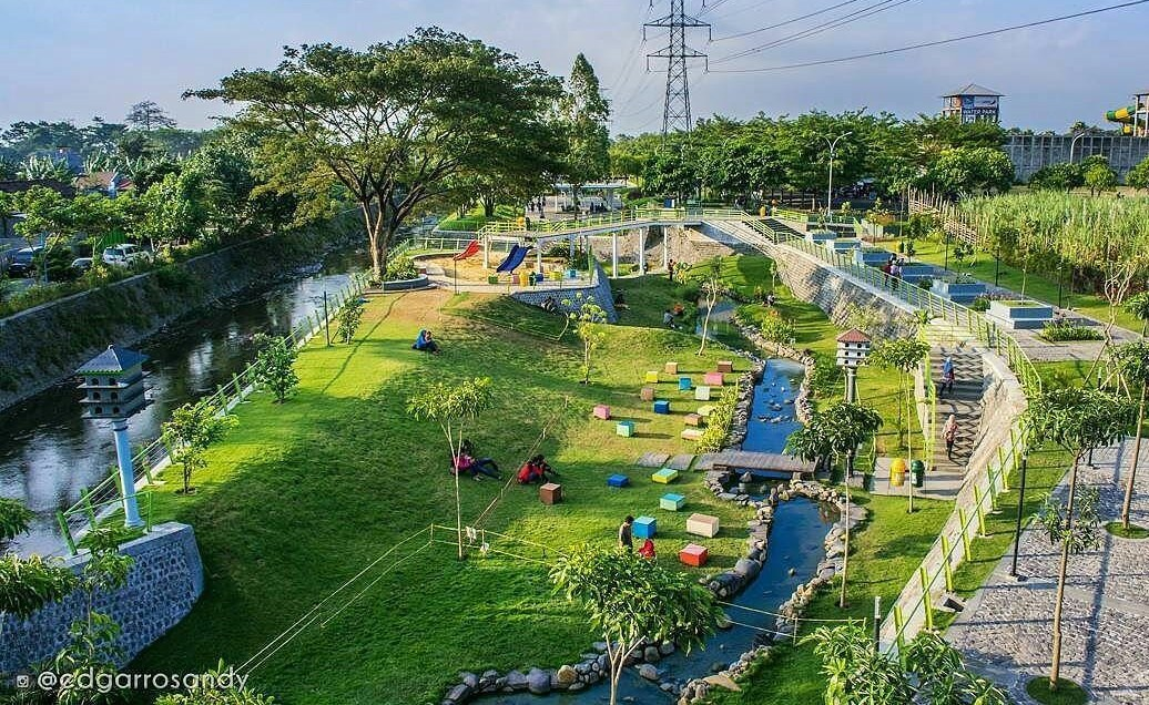 5 Wisata Kediri Keren Menyenangkan Diri Taman Hijau Slg Kab