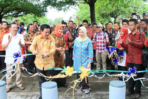Foto Taman Hijau Slg Resmi Dibuka Umum Warna Kediri Kabupaten