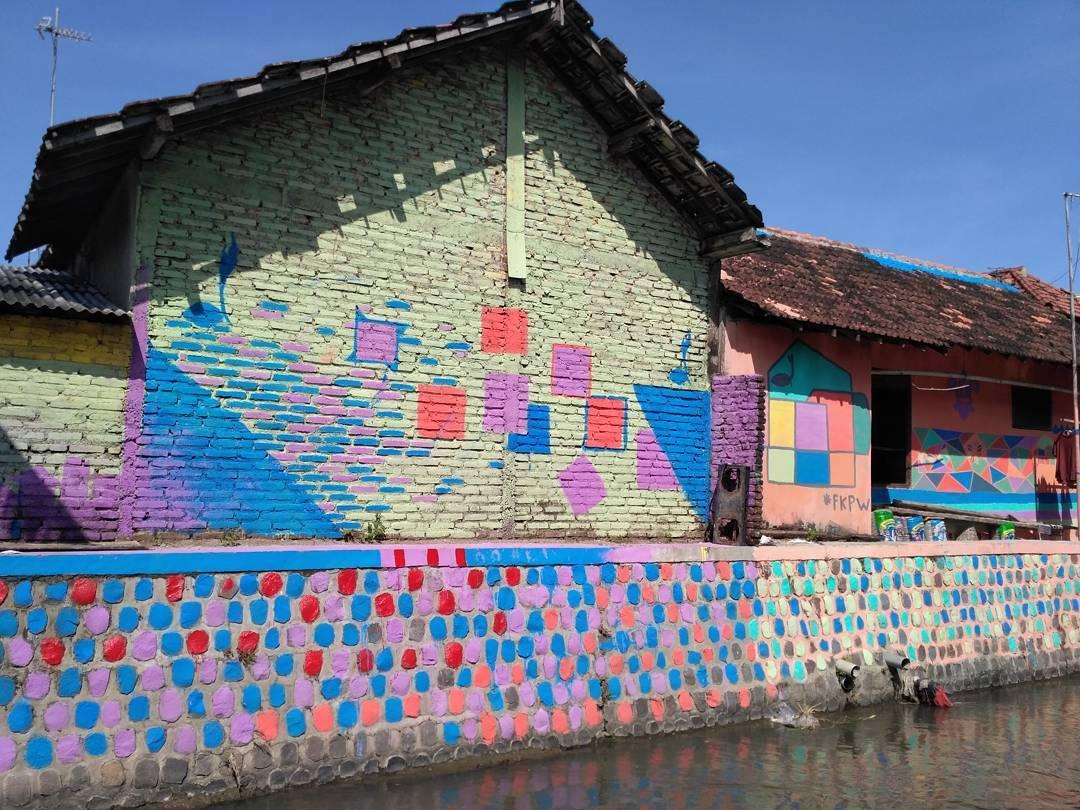 5 Wisata Kediri Keren Menyenangkan Diri Kampung Kelir Taman Kab