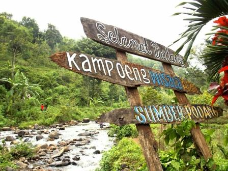Menikmati Kesejukan Alam Sumber Podang Kediri Info Wisata Keren Taman