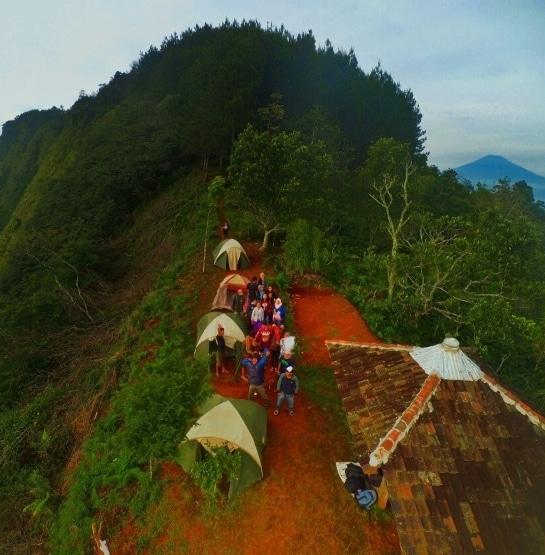 Wisata Puncak Lereng Kelir Gertas Ambarawa Wisatalova Foto Pemandangan Camping