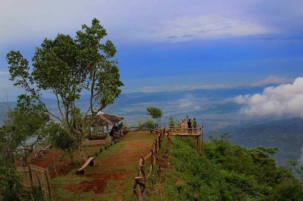 Wisata Puncak Lereng Kelir Gertas Ambarawa Wisatalova Foto Pemandangan Taman