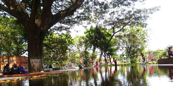 Diprotes Pengunjung Perempuan Ibu Bebaskan Taman Sekartaji Kab Kediri