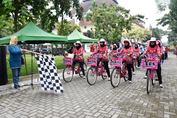 Fun Bike Romantika Pare Kampanye Budaya Promosi Pariwisata Memasuki Halaman