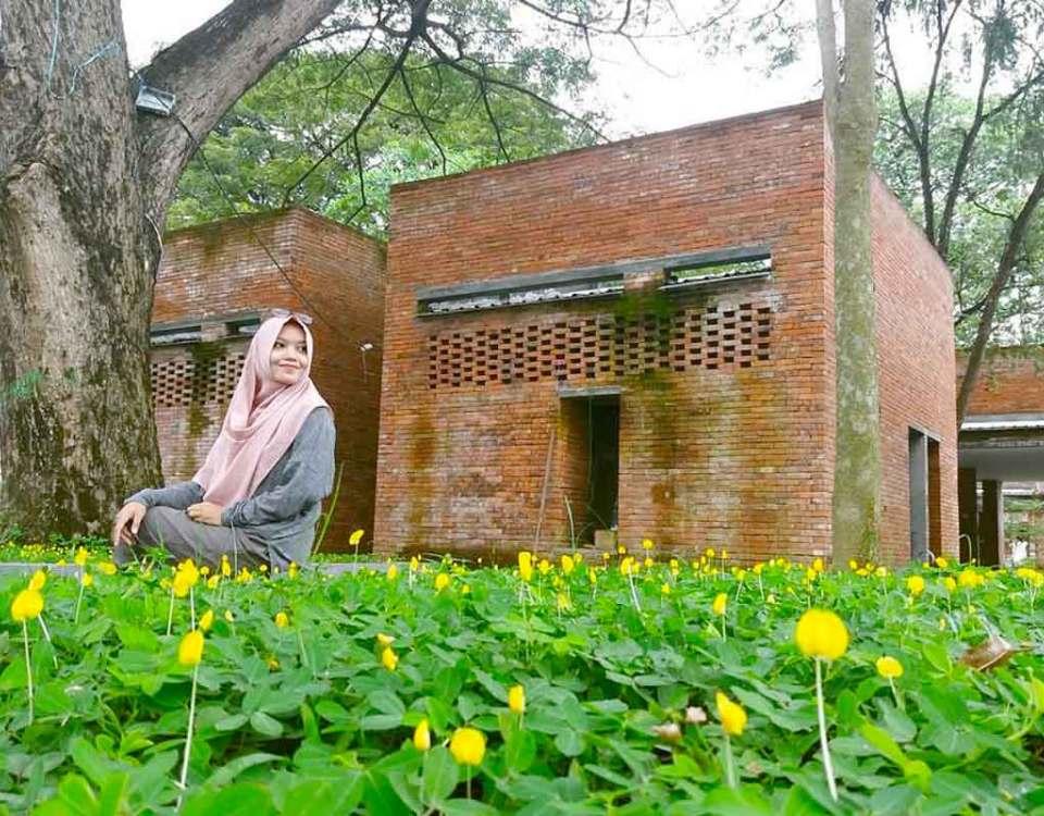 Nizar Nazarudin Author Cec Kampung Inggris Sosok Kecantikan Klenting Kuning