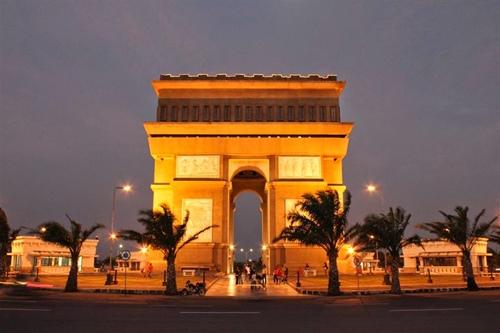 12 Tempat Wisata Kediri Jawa Timur Patut Dikunjungi Monumen Simpang
