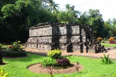 27 Tempat Wisata Kediri Jawa Timur Wajib Dikunjungi Liburan Sejarah