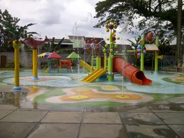 Bersantai Taman Tirtoyoso Wisata Kota Kediri Meski Lokasi Berada Pusat