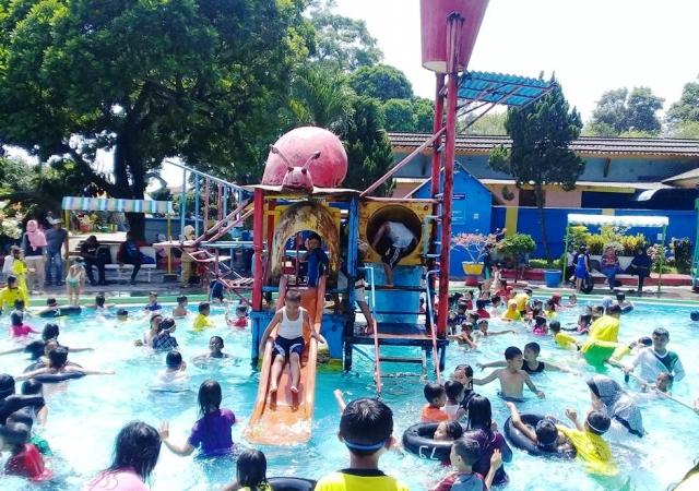 12 Tempat Wisata Kediri Jawa Timur Patut Dikunjungi Taman Pagora