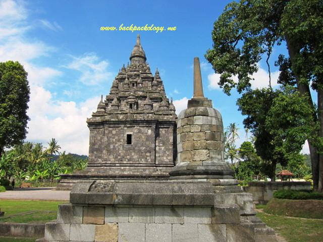 Candi Sojiwan Sebuah Unik Tersembunyi Backpackology Stupa Dekatnya Kab Klaten