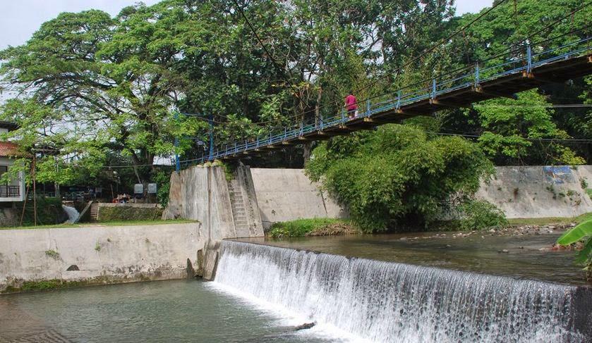 Catatan Perjalanan Outdoor Travelling Segarnya Berenang Umbul Memasuki Kawasan Cokro