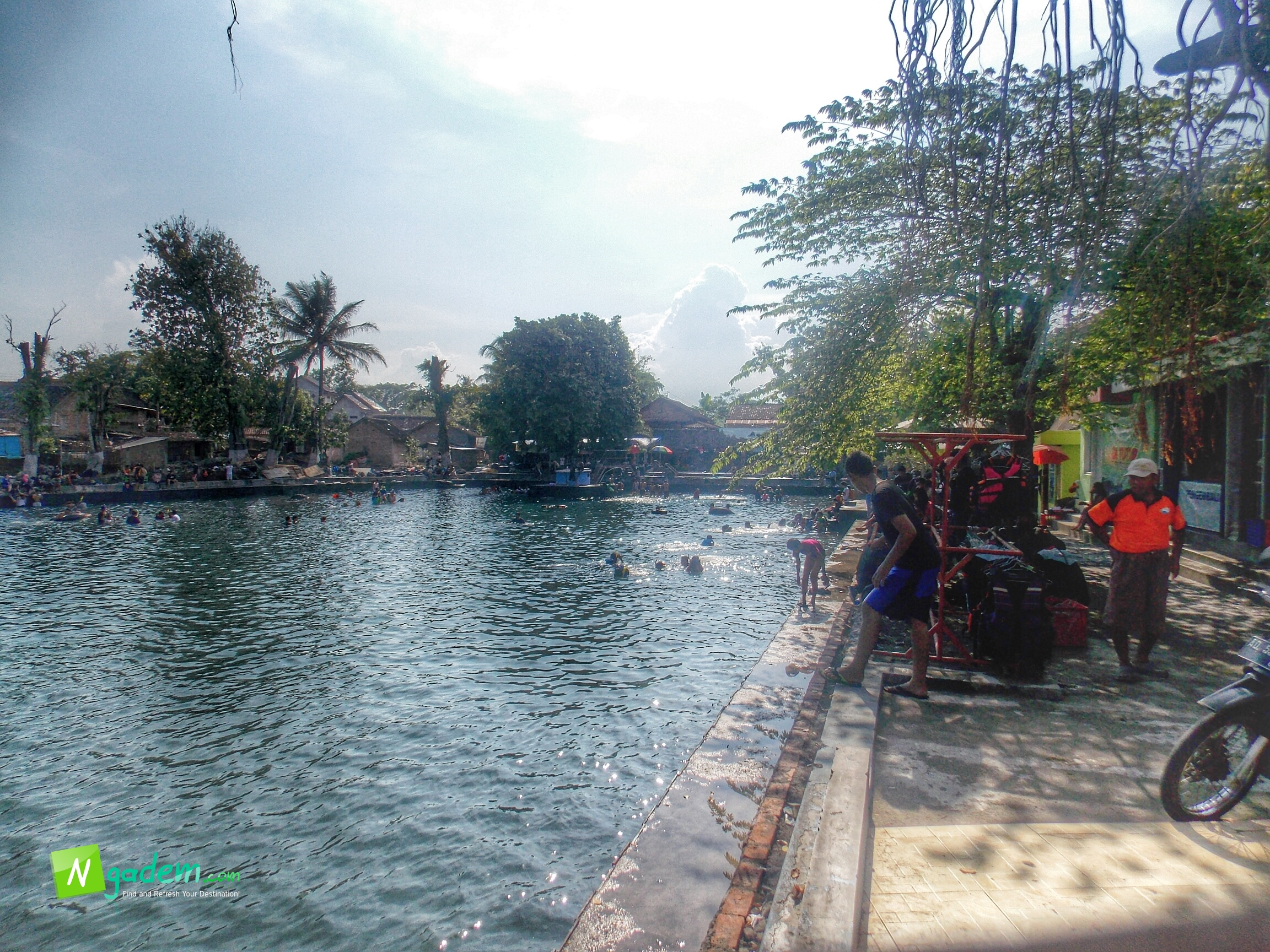 Ngadem Sambil Main Air Umbul Cokro Tulung Klaten Foto Ponggoh