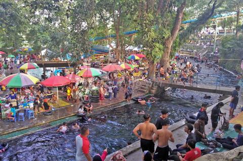 Umbul Cokro Klaten Aliran Sungai Disulap Menjadi Kolam Lokasi Tidak