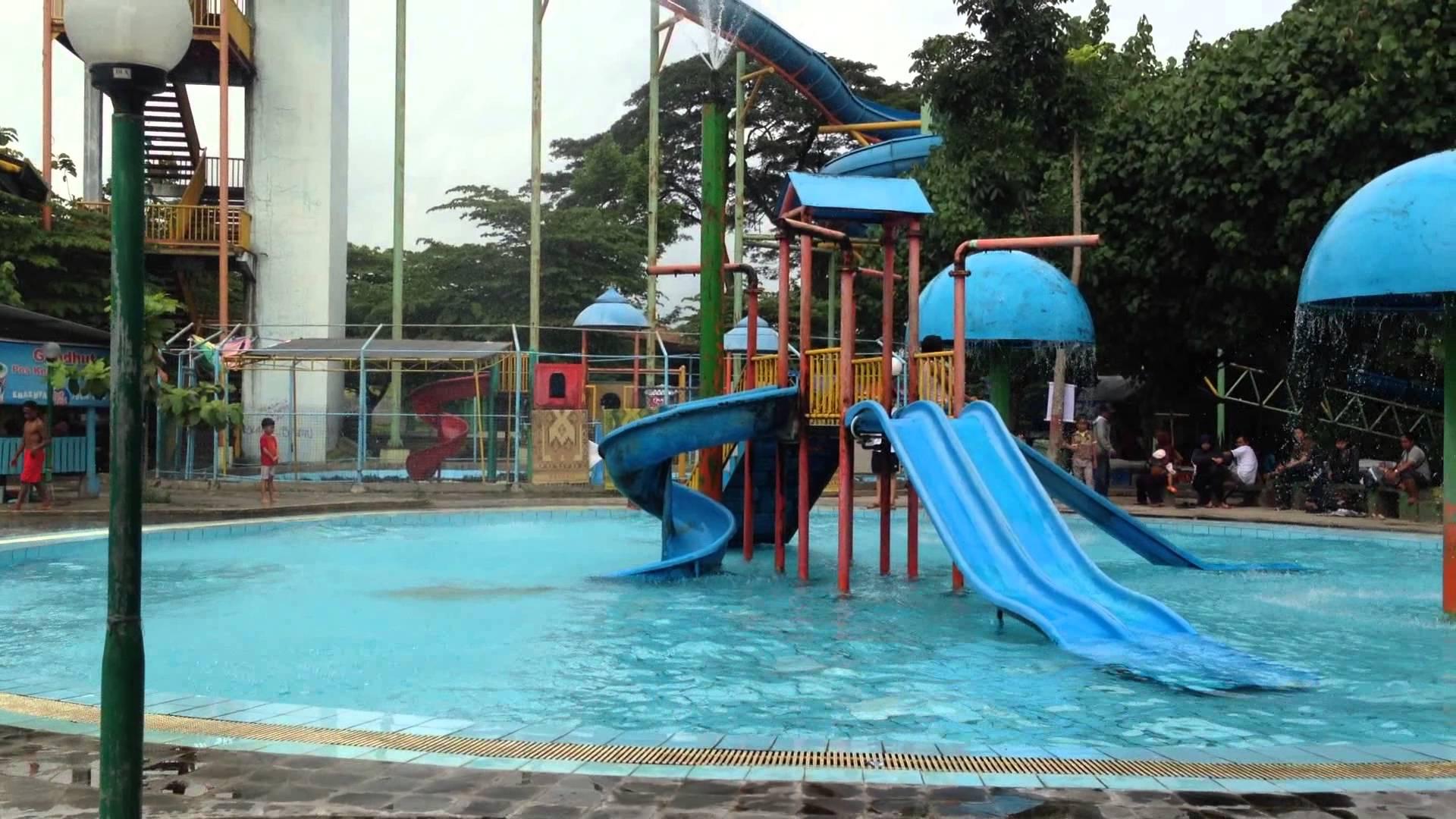 Wisata Waterboom Cokrotulung Air Janti Seru Asik Tiket Murah Youtube