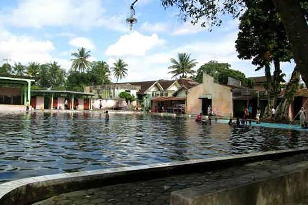 Keindahan Destinasi Wisata Umbul Jolotundo Karanganom Klaten Jawa Tengah Kab