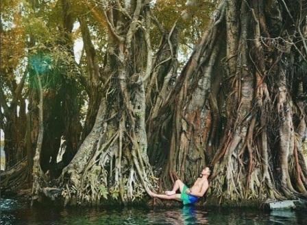 Wisata Klaten Berpose Bak Putri Duyung Umbul Manten Panorama Alam