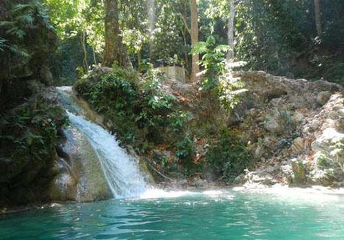 12 Tempat Wisata Kupang Dikunjungi Air Terjun Tesbatan Lokasinya Berada