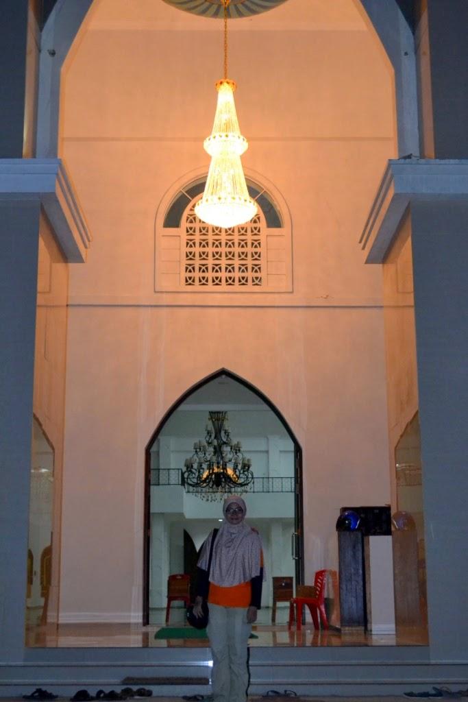 Safari Masjid Kupang Ntt Popcorn Life Lampu Kristalnya Kereeeennn Raya