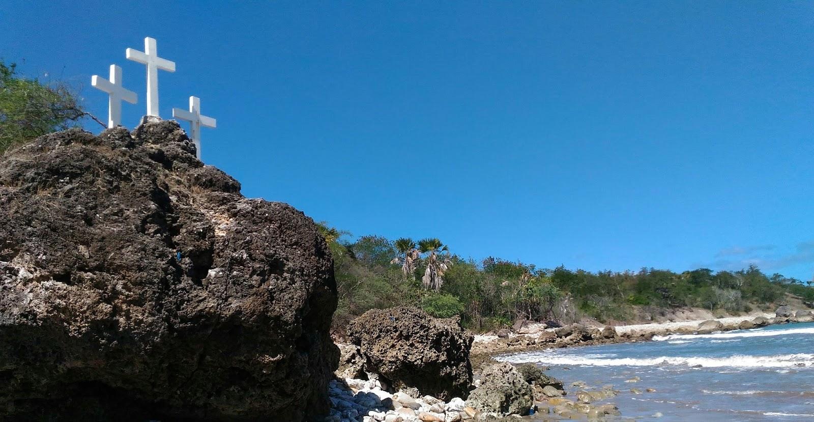 Arianto Ntt Pantai Batu Burung Kabupaten Kupang Menemukan Pertigaan Tugu