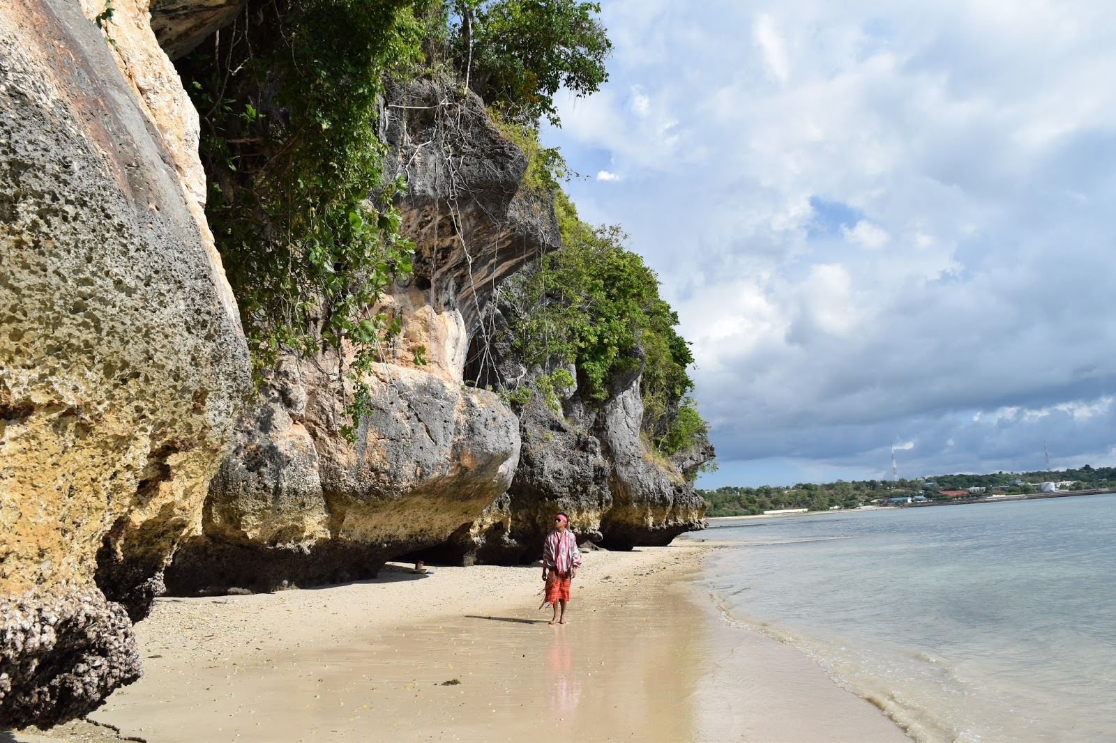 Limakaki Destinasi Wisata Alam Kupang Keindahan Wajib Eksplore Pantai Batu