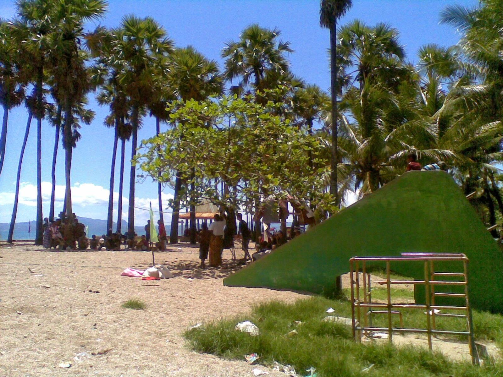 Desi Tualaka Pantai Terletak Lasiana Kecamatan Kupang Tengah Kota Ntt
