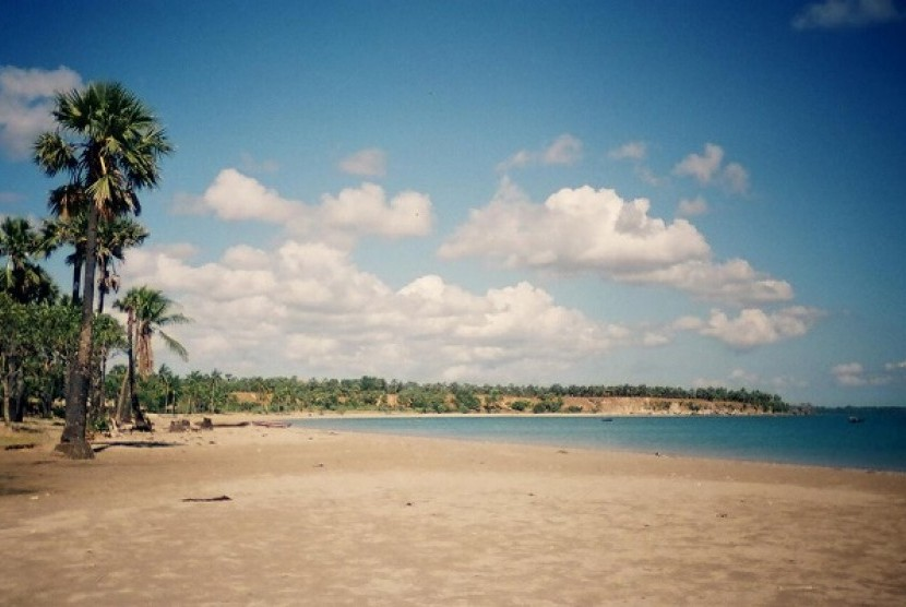 Lima Tempat Wisata Kupang Dipadati Wisatawan Libur Lebaran Pantai Lasiana