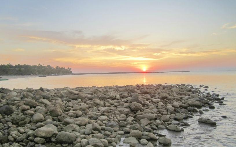 Tempat Wisata Kupang Nusa Tenggara Timur Pantai Lasiana Kelapa Tinggi