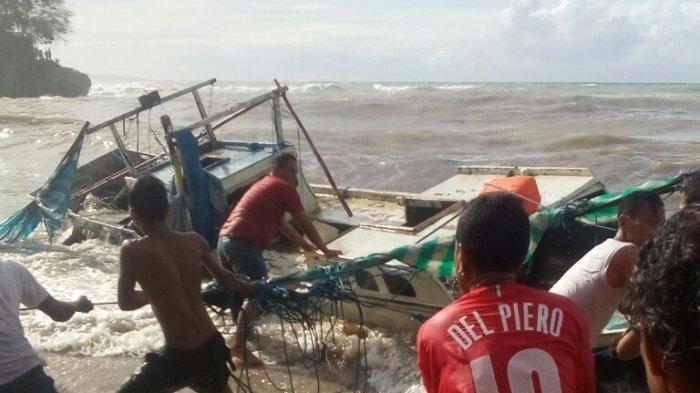 Kapal Kayu Tujuan Rote Tenggelam Akibat Cuaca Buruk Pos Kupang