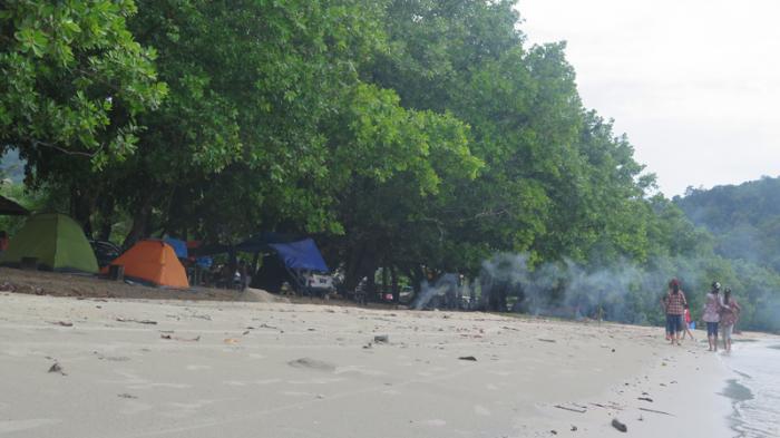 Pantai Pulau Datuk Merayakan Jauh Keramaian Ketapang Satu Kab Kupang