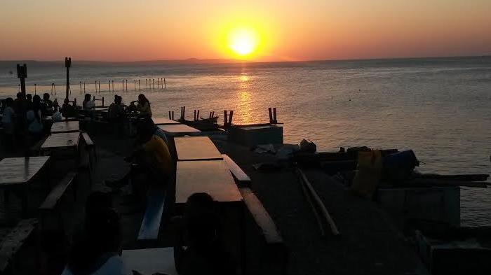 Pantai Romantis Kota Kupang Asyik Buat Nikmati Pesona Matahari Tenggelam