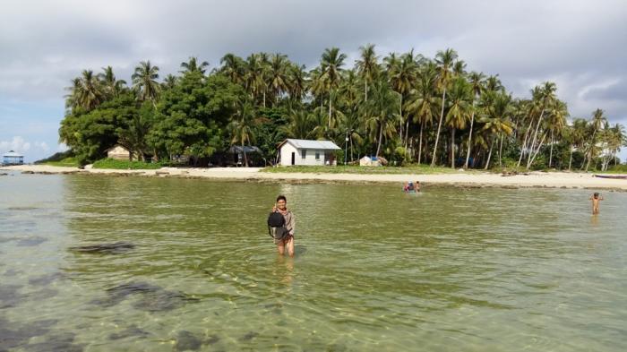Pesona Pulau Sawi Kendawangan Mampu Buat Takjub Pengunjung Pantai Ketapang
