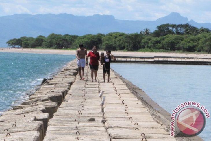 Ntt Lanjutkan Pembangunan Infrastuktur Pantai Lasiana Antara News Kab Kupang