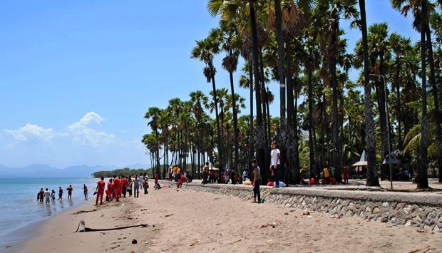 Pantai Lasiana Kupang Terbuka 24 Jam Bagi Pengunjung Travel Kota