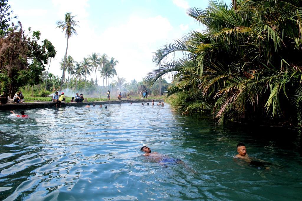 Tour Komunitas Beta Ntt Setiawan Mangando Setelah Berenang Waktu Kunjungan