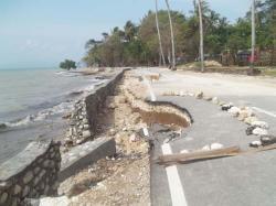 Jalan Strategis 20 Meter Ambruk Pantai Wisata Nunsui Pos Kupang