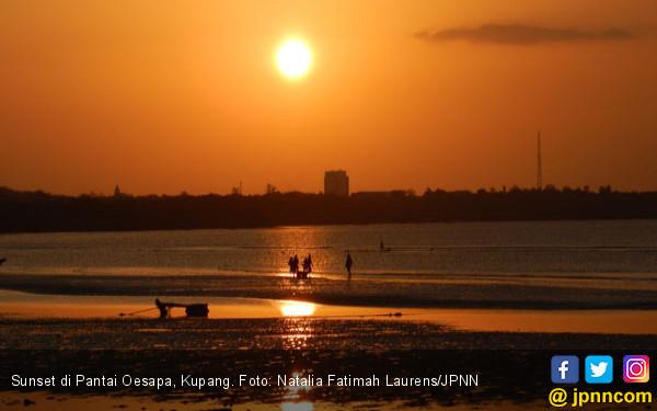 Sunset Romantis Pantai Oesapa Travel Jpnn Nunsui Kab Kupang