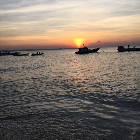 Images Pulautimor Instagram Senja Pantai Pasir Panjang Kupang Photobymamakmuda Liburankeluargamuda