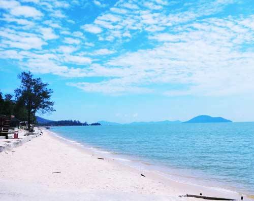 Keseruan Pantai Pasir Panjang Singkawang Tempat Wisata Terbaik Indonesia Kab