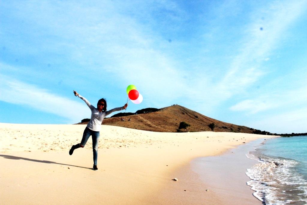 Pantai Buan Liman Surga Tersembunyi Pulau Semau Safari Ntt Objek